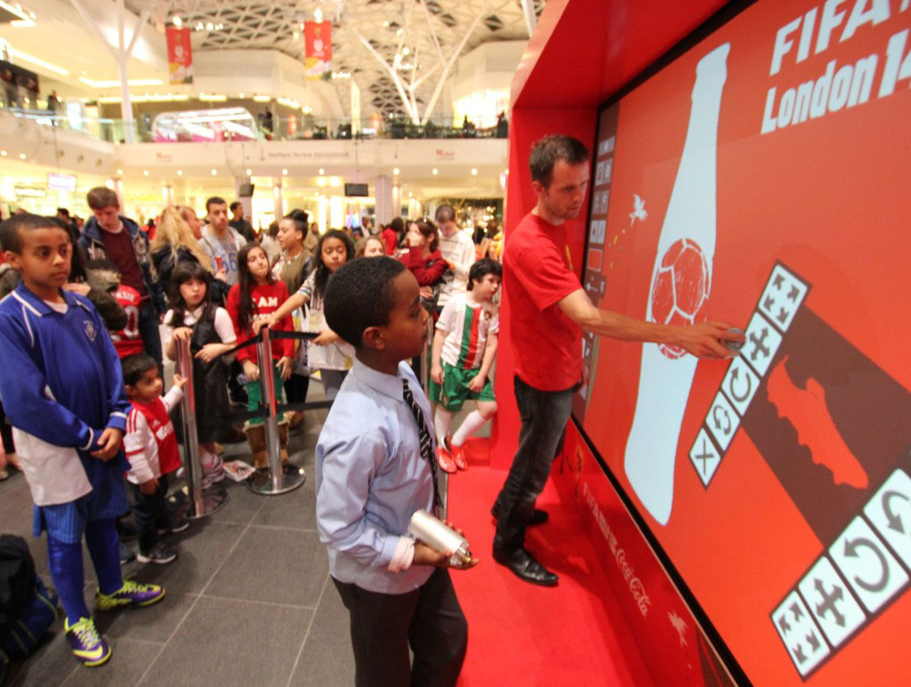 Air Graffiti Wall: Having Fun at a Coca Cola Event