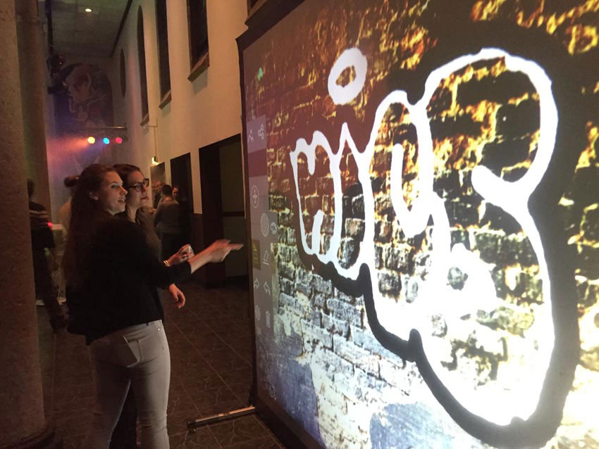 Air Graffiti Wall: Set Up for a company event in Wernhout, Netherlands