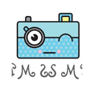 Logo: Selfie Mirror Booth