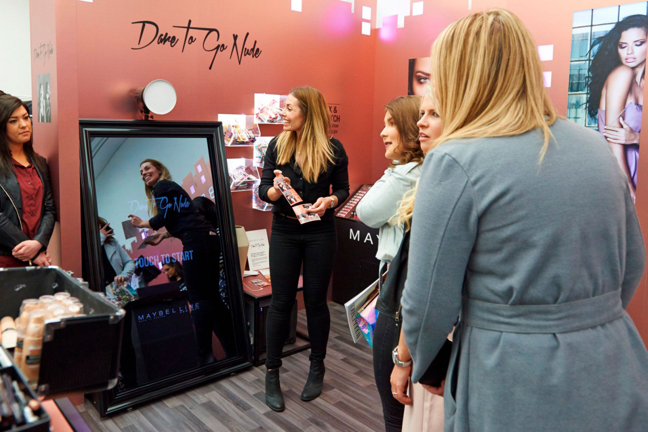 Mirror Me Booth, a new magical photo booth: Incoporated Into the Shopping Experience at a Maybelline Store