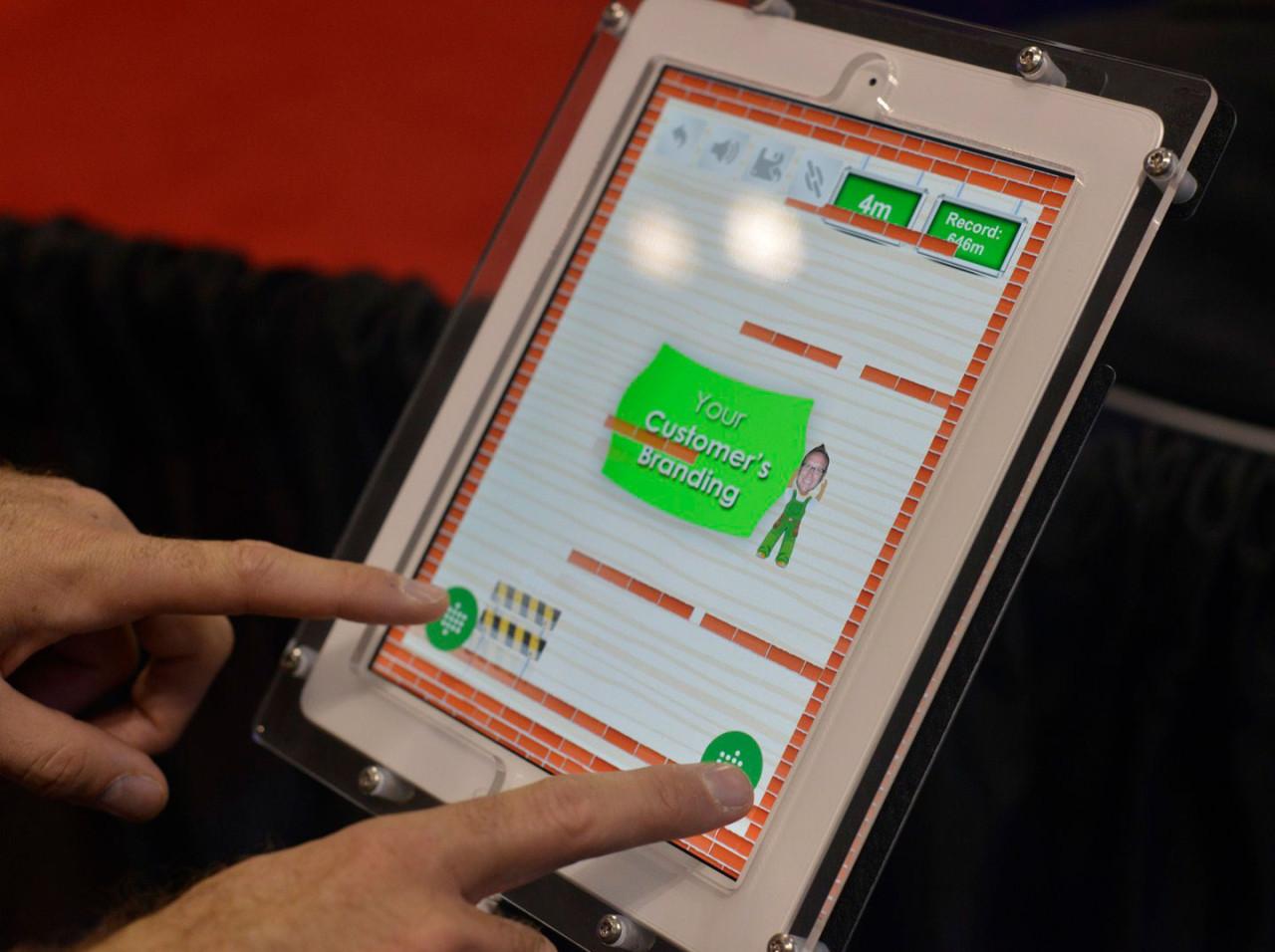 Virtual Hero, Game Studio: Playing on a Tablet